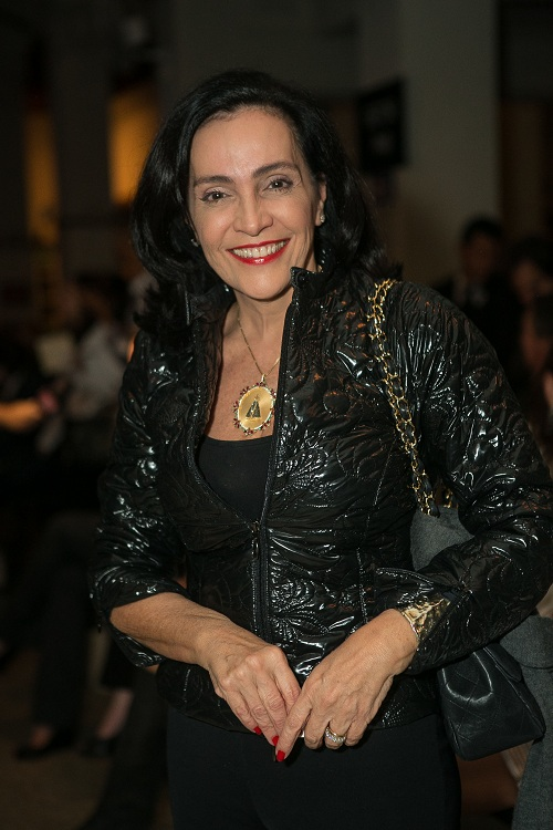 Liliane Rodrigues Brilhando na Sacada do Jockey